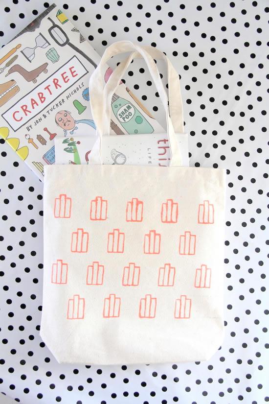 Linda bolsa de tecido para livros