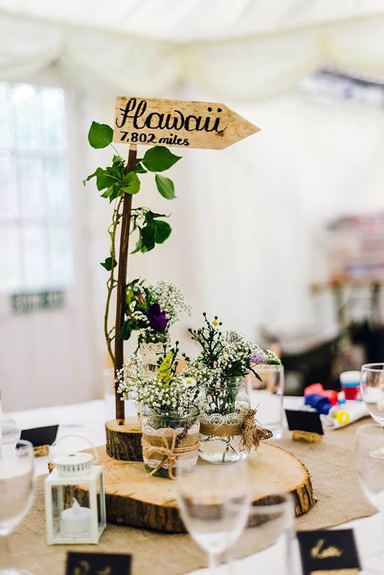 Marcador delicado para mesa de casamento
