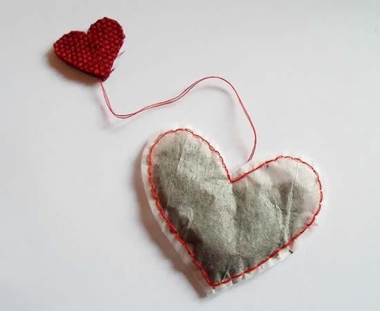 Lindo sachê de chá em forma de coração