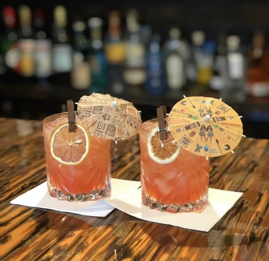Lindos guarda-chuvas para drinks