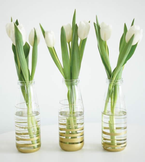 Vasinhos decorativos com garrafinhas