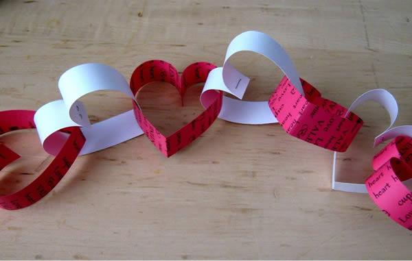 Guirlanda de coração de papel
