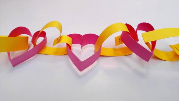 Corrente de coração com papel