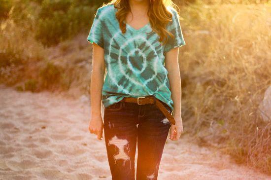 Como tingir uma camisa alternativa