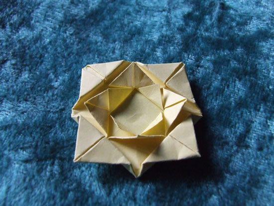 Flor de origami passo a passo