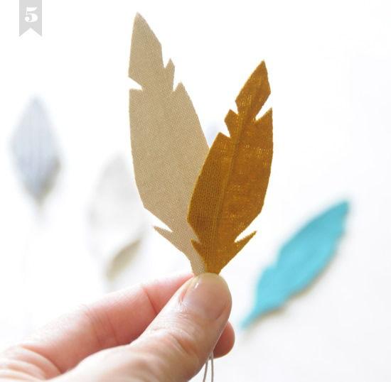 Como fazer penas de tecido para dar de lembrancinha