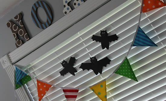 Decoração com morcegos de papel