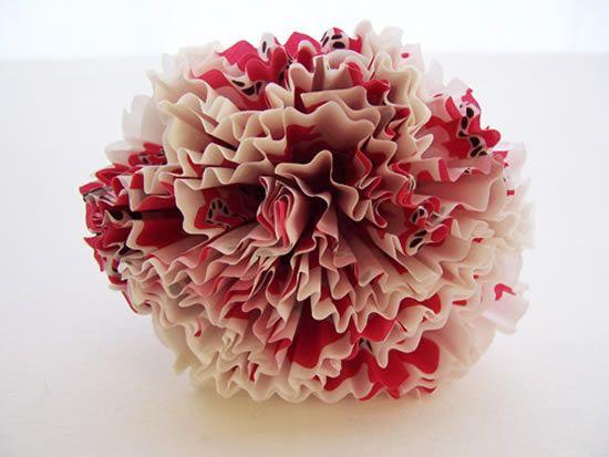 Flor de papel com forminhas de cupcakes