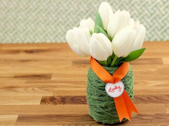 Como fazer vasinhos de flores com potes de vidro