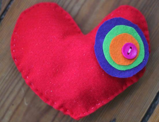 Como fazer coração de feltro