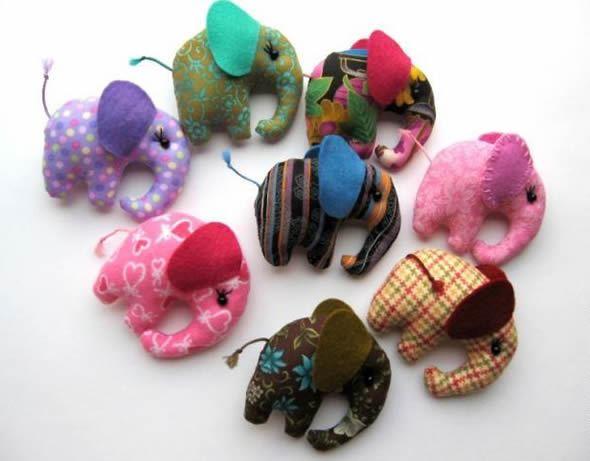Elefantes customizados em tecido