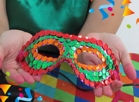 Máscara de Carnaval com Lantejoulas Passo a Passo