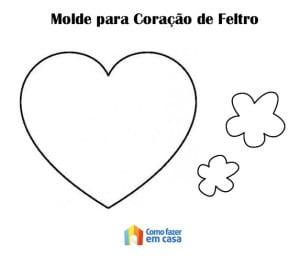 Molde de coração e florezinhas