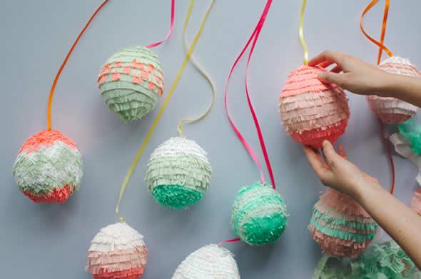 Decoração com ovinhos coloridos para a Páscoa