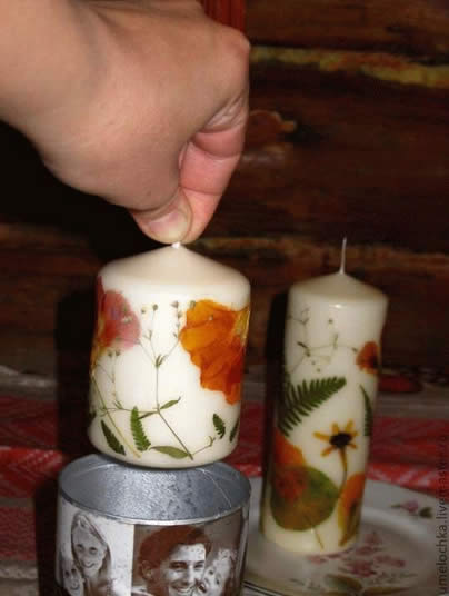 Vela decorada com técnica de decoupage