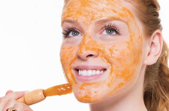 Máscara caseira para clarear a pele