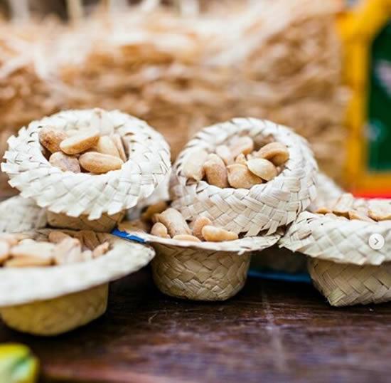 Mini chapeuzinhos para Festa Junina