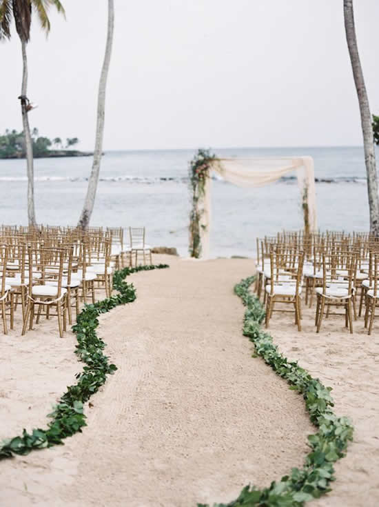 Decoração linda para casamento na praia