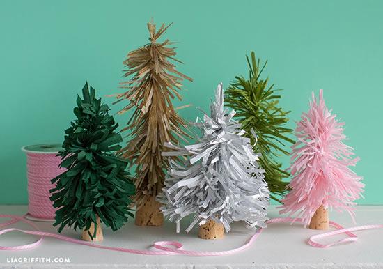 Mini Árvore de Natal com Papel Seda
