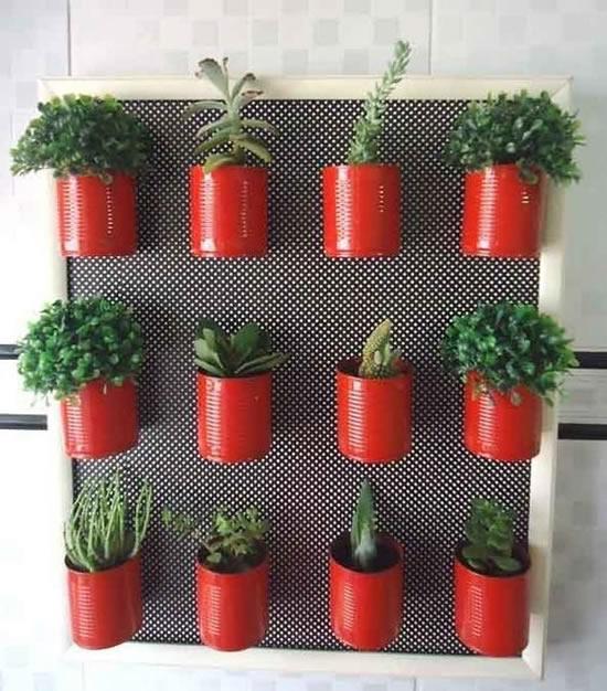 Plante suas plantinhas em latas