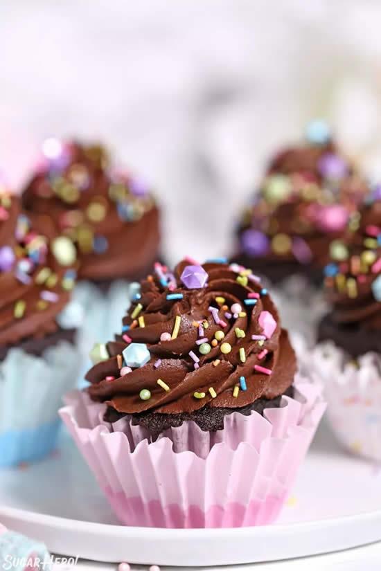 Cupcakes de chocolate decorado