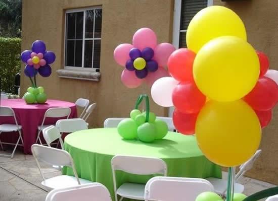 Decoração de Dia das Crianças com balões