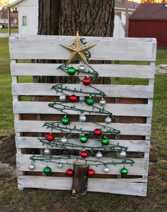 Árvore de Natal com pallets