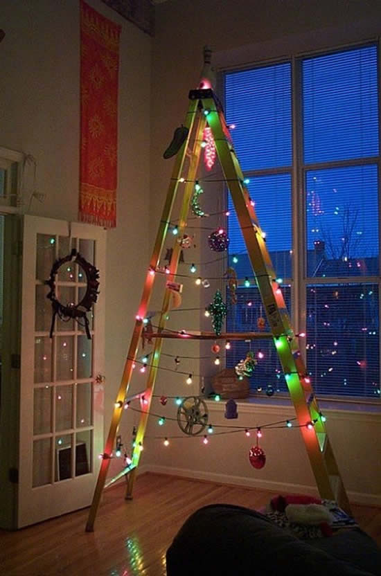 Árvore de Natal com escadas