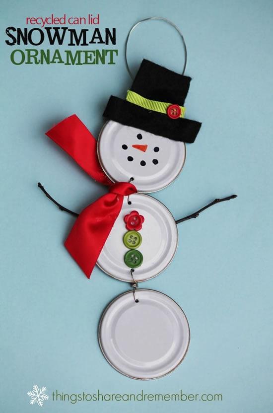 Boneco de neve com tampinhas