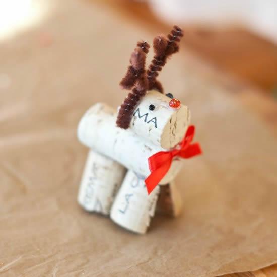 Rena com rolhas para Natal
