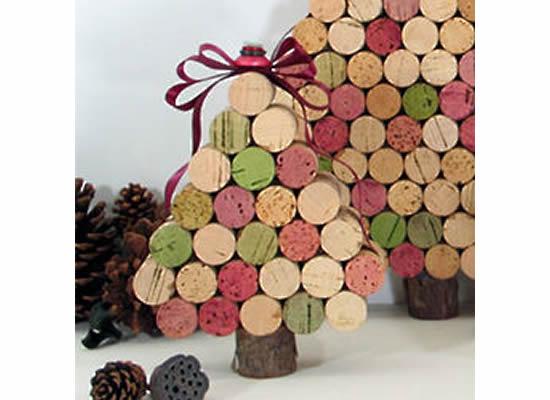 Mini Árvore de Natal com rolhas