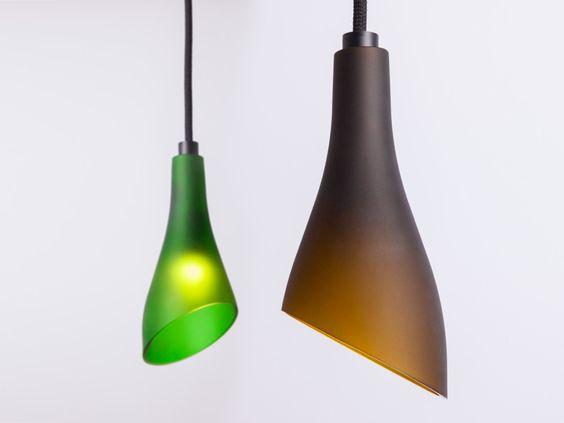 Luminárias com garrafas de vidro