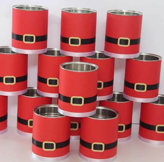Decoração de Natal com latas
