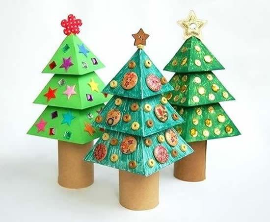 Arvorezinhas de Natal com rolos de papelão