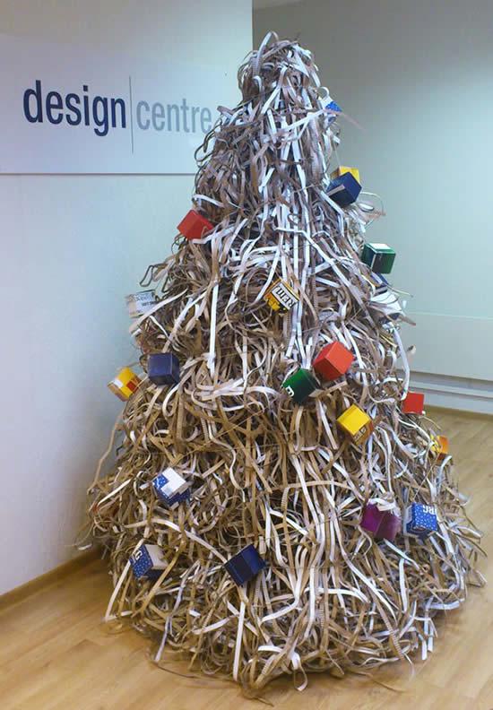 Árvore de Natal com reciclagem