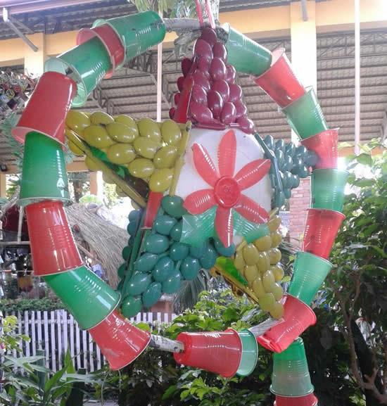 Guirlanda de Natal com reciclagem