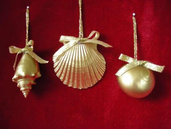 Decoração de Natal com conchas
