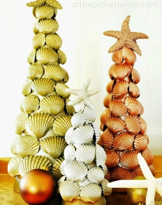 Árvore de Natal com conhas