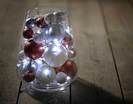 Decoração com potes de vidro e pisca-pisca