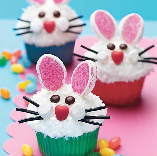 Cupcakes com coelhinhos de Páscoa