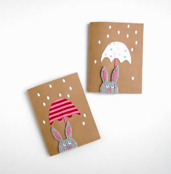 Cartão criativo de Pàscoa com papel