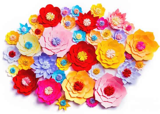 Lindas flores de papel para decoração