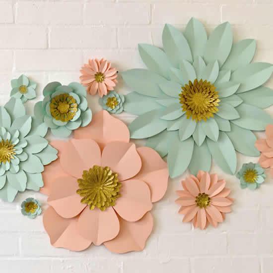Enfeites com flores de papel