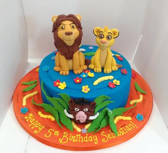 Bolo com tema Rei Leão