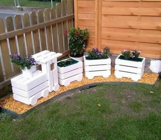 Inspiração com pallets para jardim