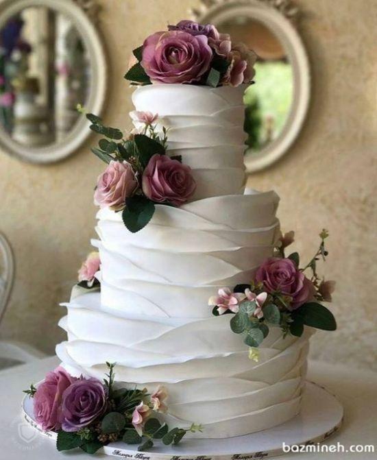 bolo de casamento simples com chantilly
