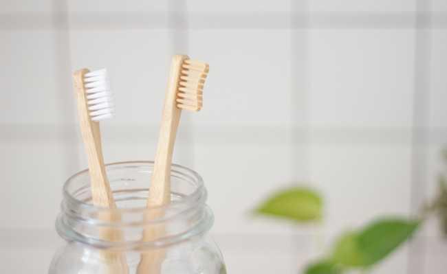 Como fazer enxaguante bucal caseiro