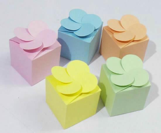 Caixas de papel com molde