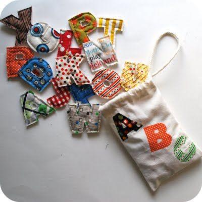 jogo de letras em tecido