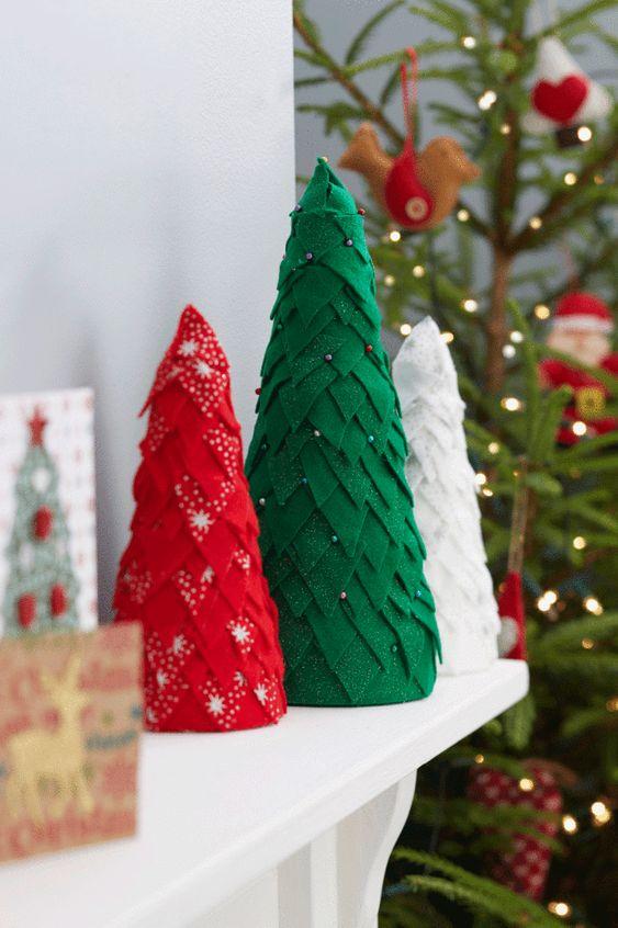 Árvore de Natal de barbante e sisal